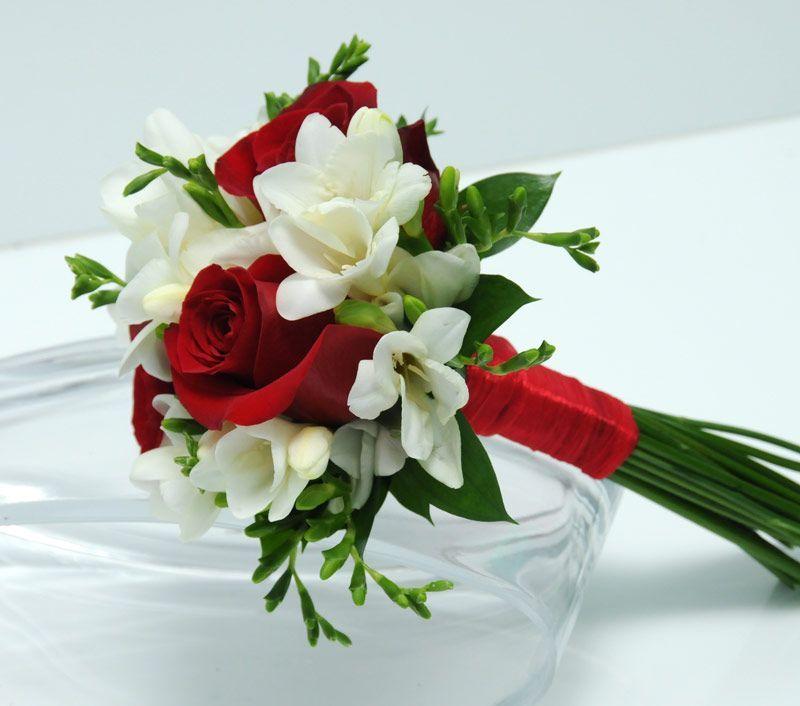 Google Image Result For Http Www Vivalasvegasweddings Com Images Flowers 3 Rose Bouquet Red Fr Red Bouquet Wedding Red Wedding Flowers Small Wedding Bouquets