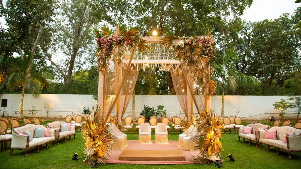 This Boho Mandap We Spotted Is So Pretty For An Intimate Wedding ...