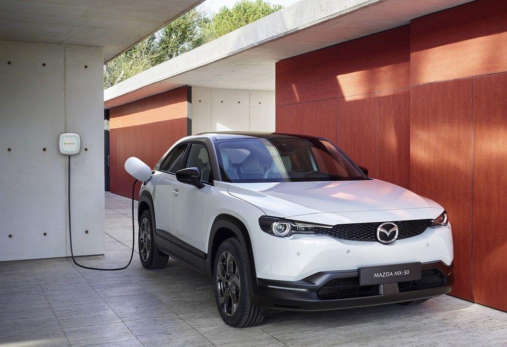 El Mazda Mx 30 Electrico Llegara Con Un Punto De Carga Gratis De 7 4 Kw Gracias Al Acuerdo Con Iberdrola En 2020