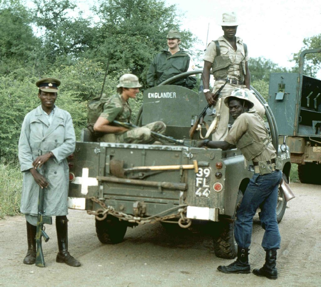 Land Rover Bush Hat Navy: South Africa & Rhodesia