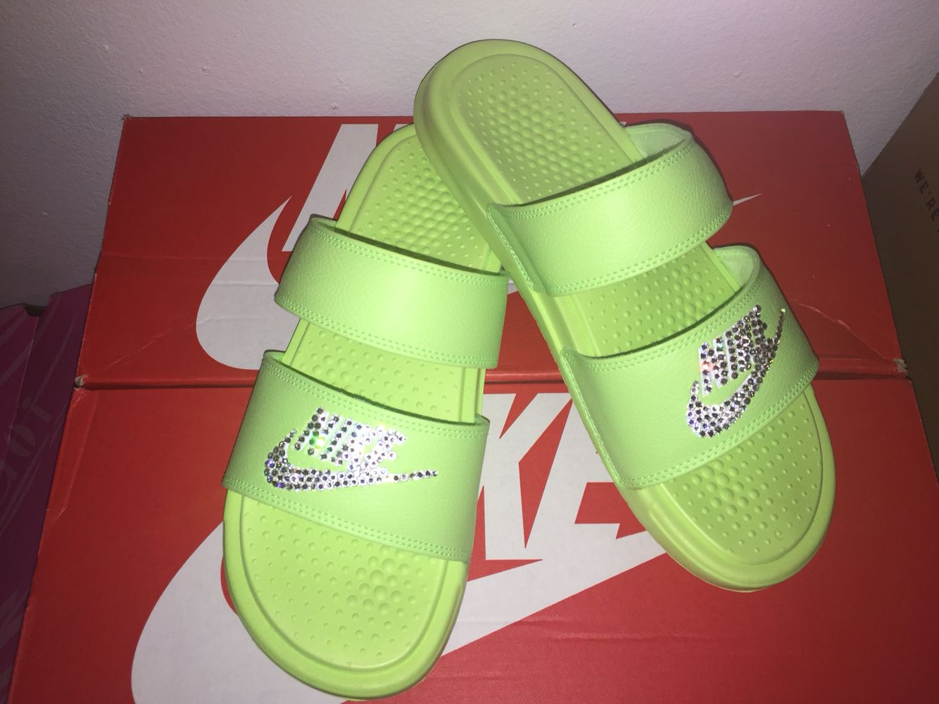3ede31fc7b6a2 Custom Made , Nike Benassi Duo Ultra Slides | Shoesss in 2019 ...