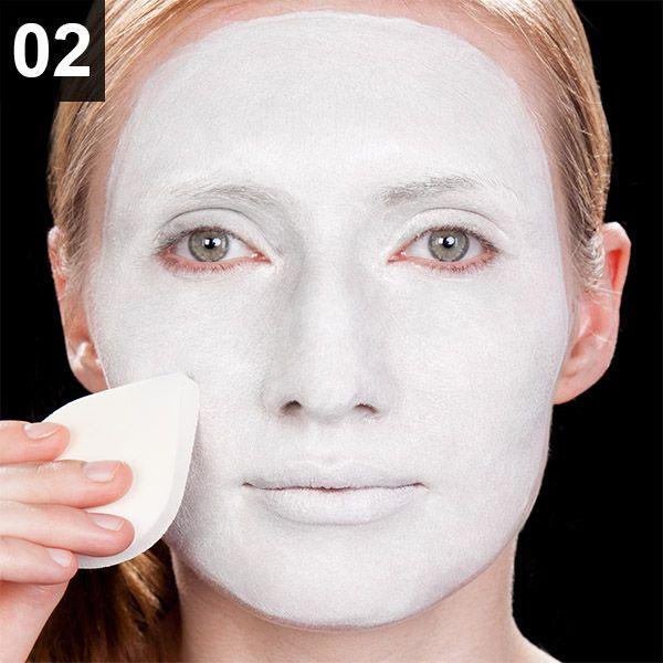 Photo of Instruksjoner for sminke på Pantomime   Maskworld