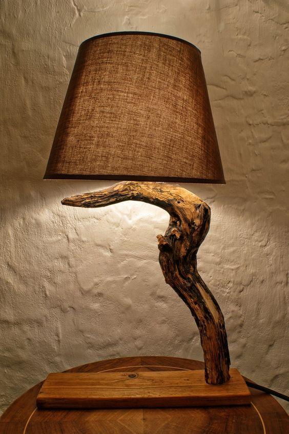 cr er une lampe avec un tronc d 39 arbre 20 id es sublimes tronc lampes et cr er. Black Bedroom Furniture Sets. Home Design Ideas