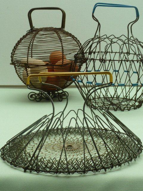 Antique Egg Basket Wire Vintage Chicken Farmhouse Metal Gathering Kitchen Mesh