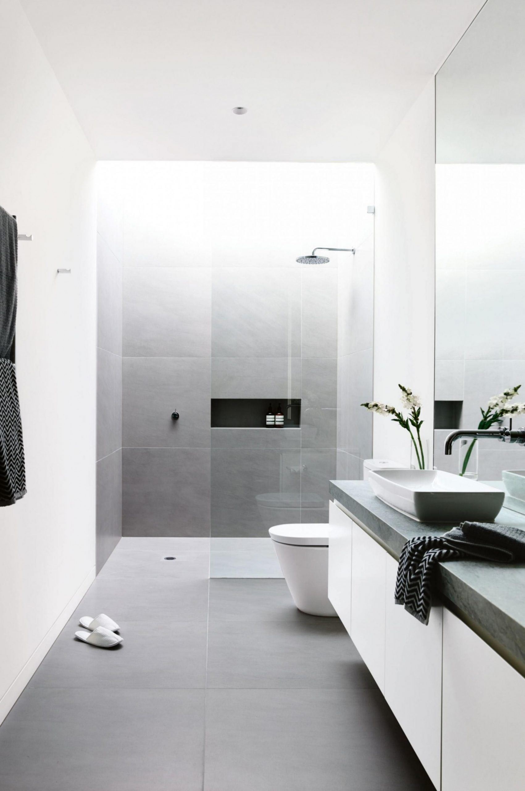 Very Small Ensuite Bathroom Ideas Minimalist Bathroom Minimalist Bathroom Design Bathroom Interior Design