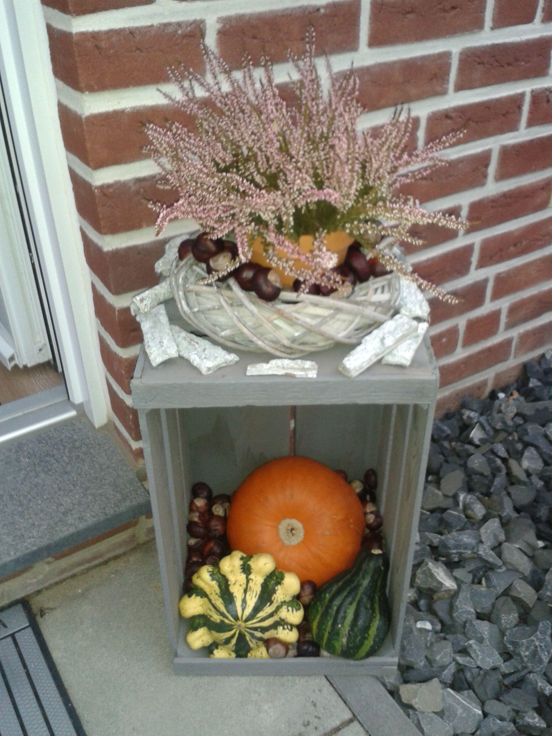 Herbstdeko Haustur 2 Herbstdeko Haustur 2 Fantastische Hinter Und Vorgarten Landschaftsentwurfe Die Mei Herbst Dekoration Vorgarten Dekorieren Herbst Dekor