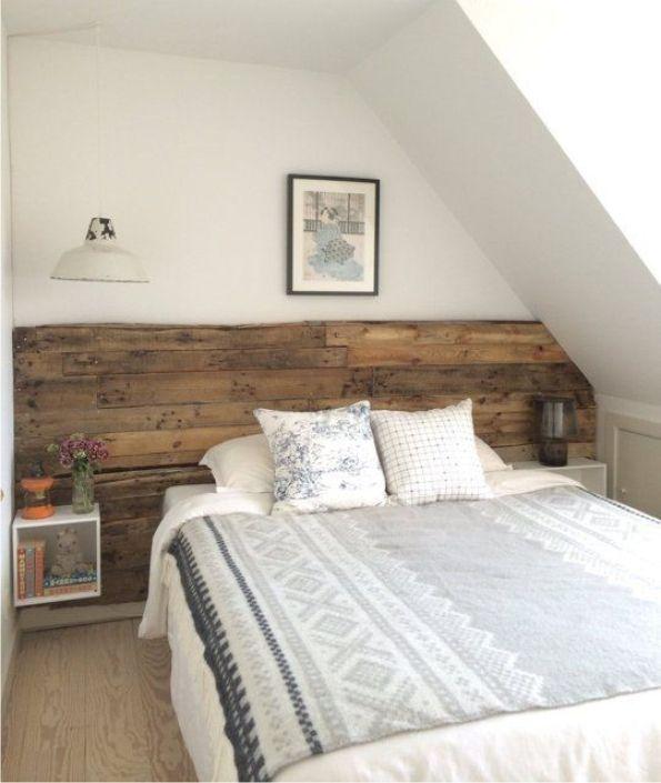 Tête de lit faite en bois flotté pour une chambre authentique - peindre un lit en bois