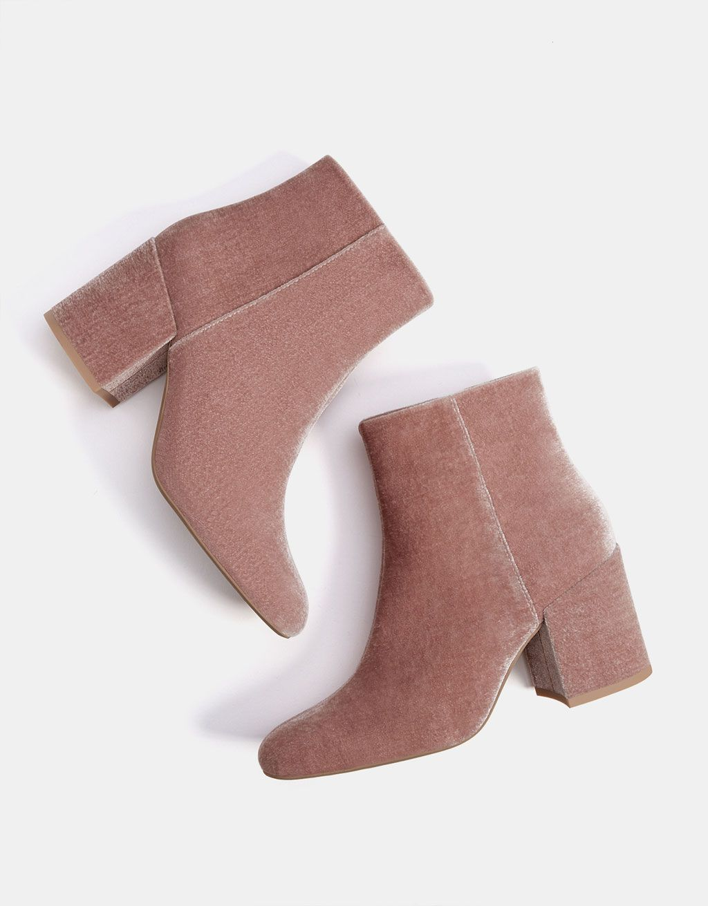 62b6dec683b Mid-heel velvet ankle boots - Boots   Ankle boots - Bershka Mexico