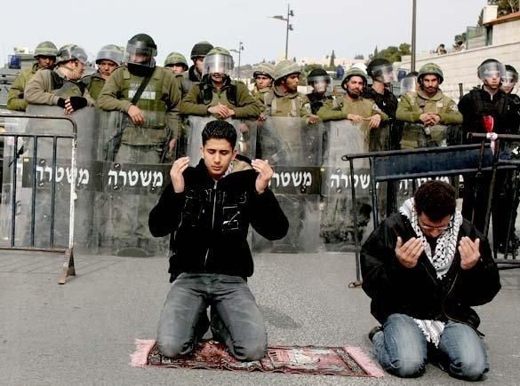 This pic says it all... Free Palestine ~ Insha Allah...