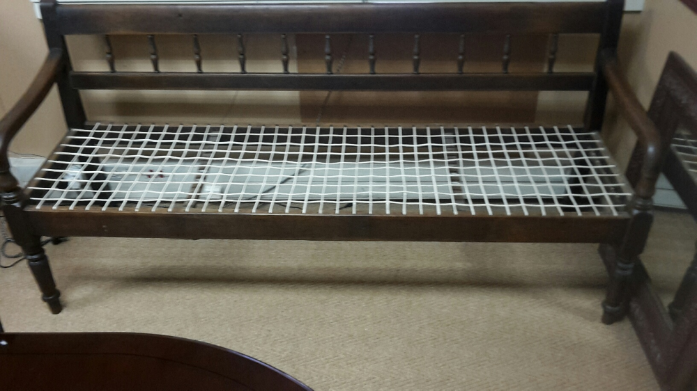 Stinkhout 4 seater riempies bench Junk Mail Bench