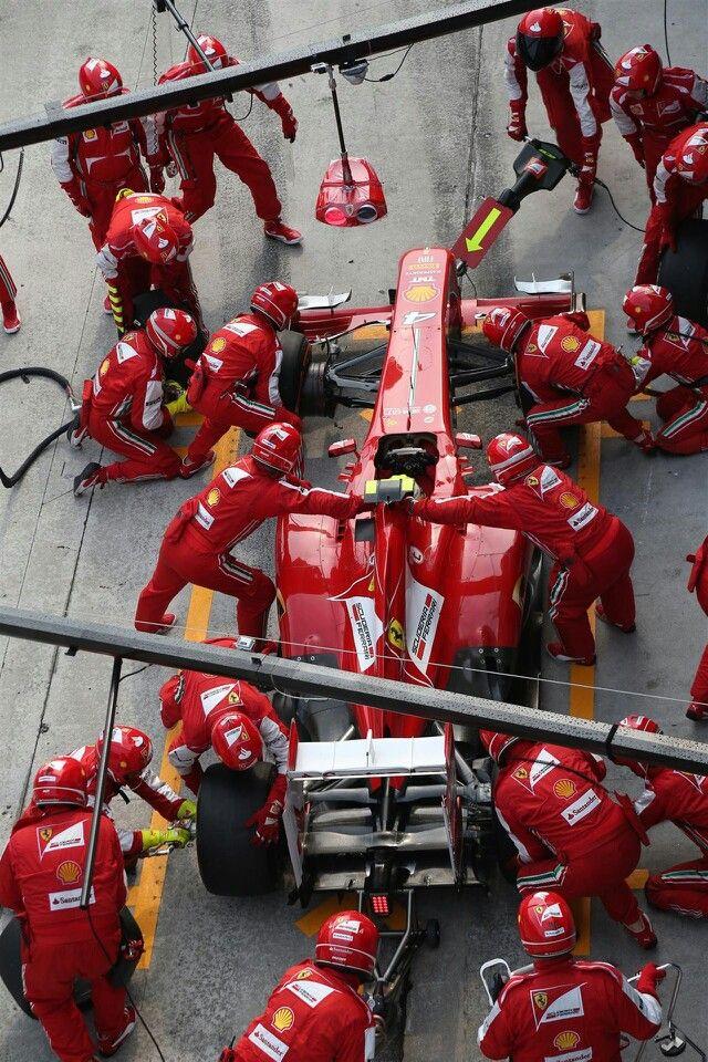 Ferrari pit stop, Malaysia, 2013