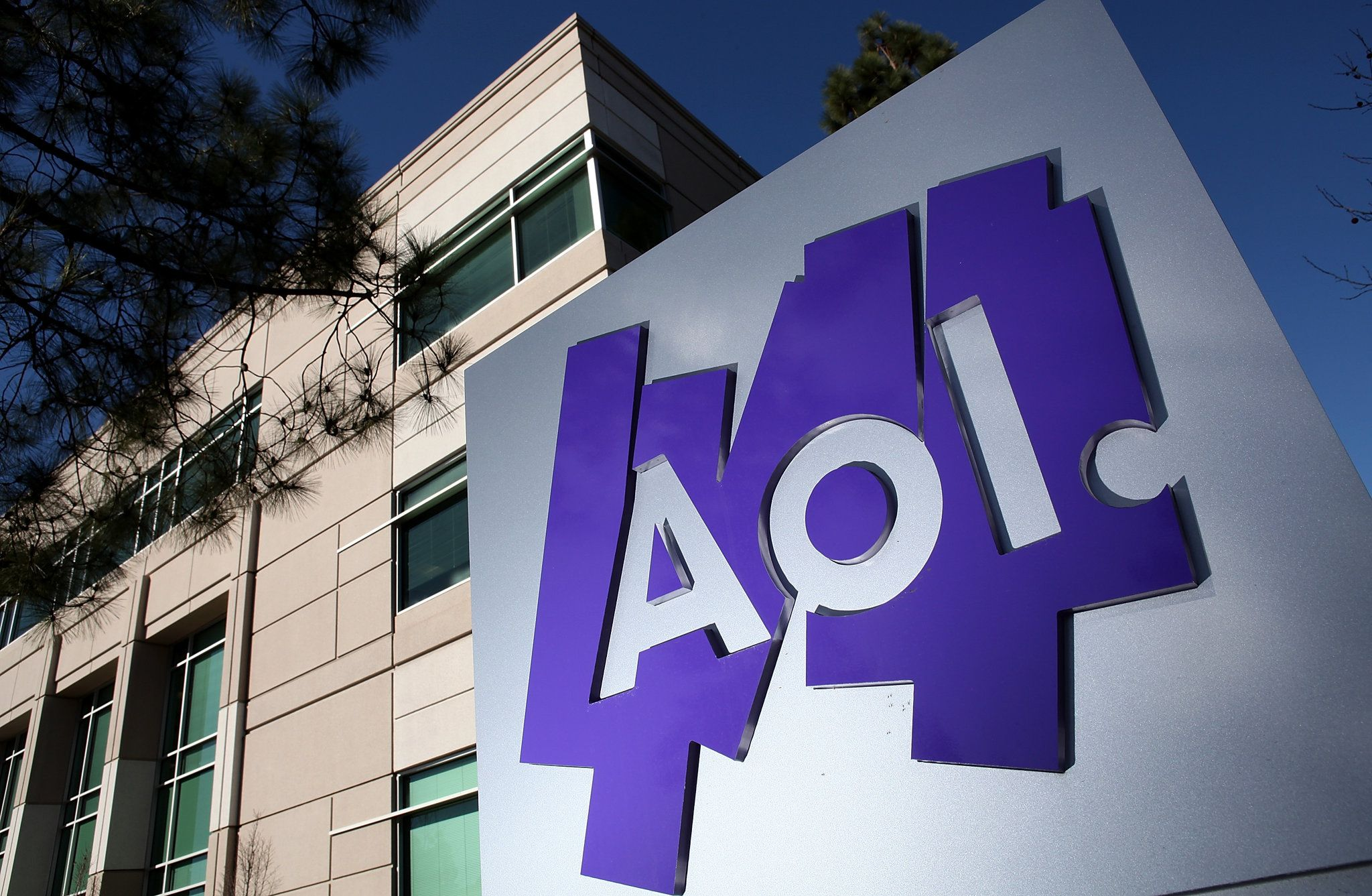 Verizon Bets on Video Ads in 4 Billion Deal for AOL (With
