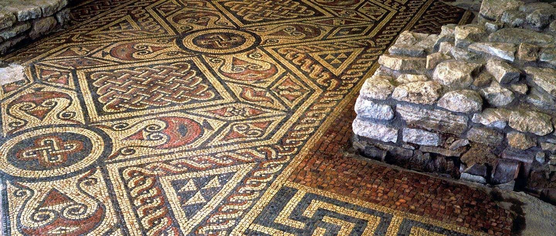A Mosaic Floor At North Leigh Roman Villa Roman Villa Mosaic Flooring Roman Mosaic