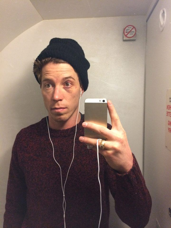Shaun White s selfie in the airplane bathroom on his way to Sochi ... 89f75b7e67e
