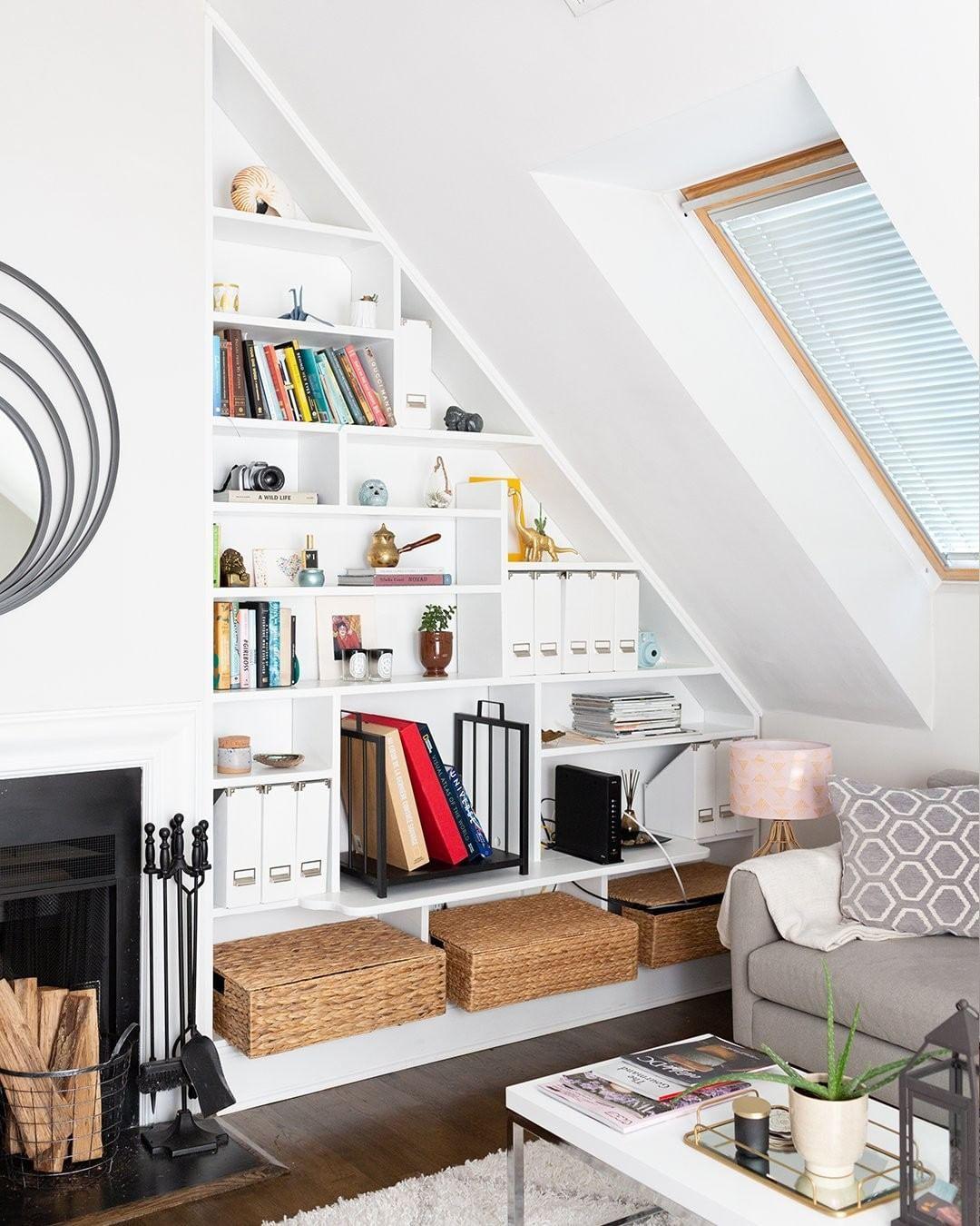 Shelves For The Attic Dachschräge Einrichten Räume Mit Dachschrägen Zimmer Mit Dachschräge Einrichten