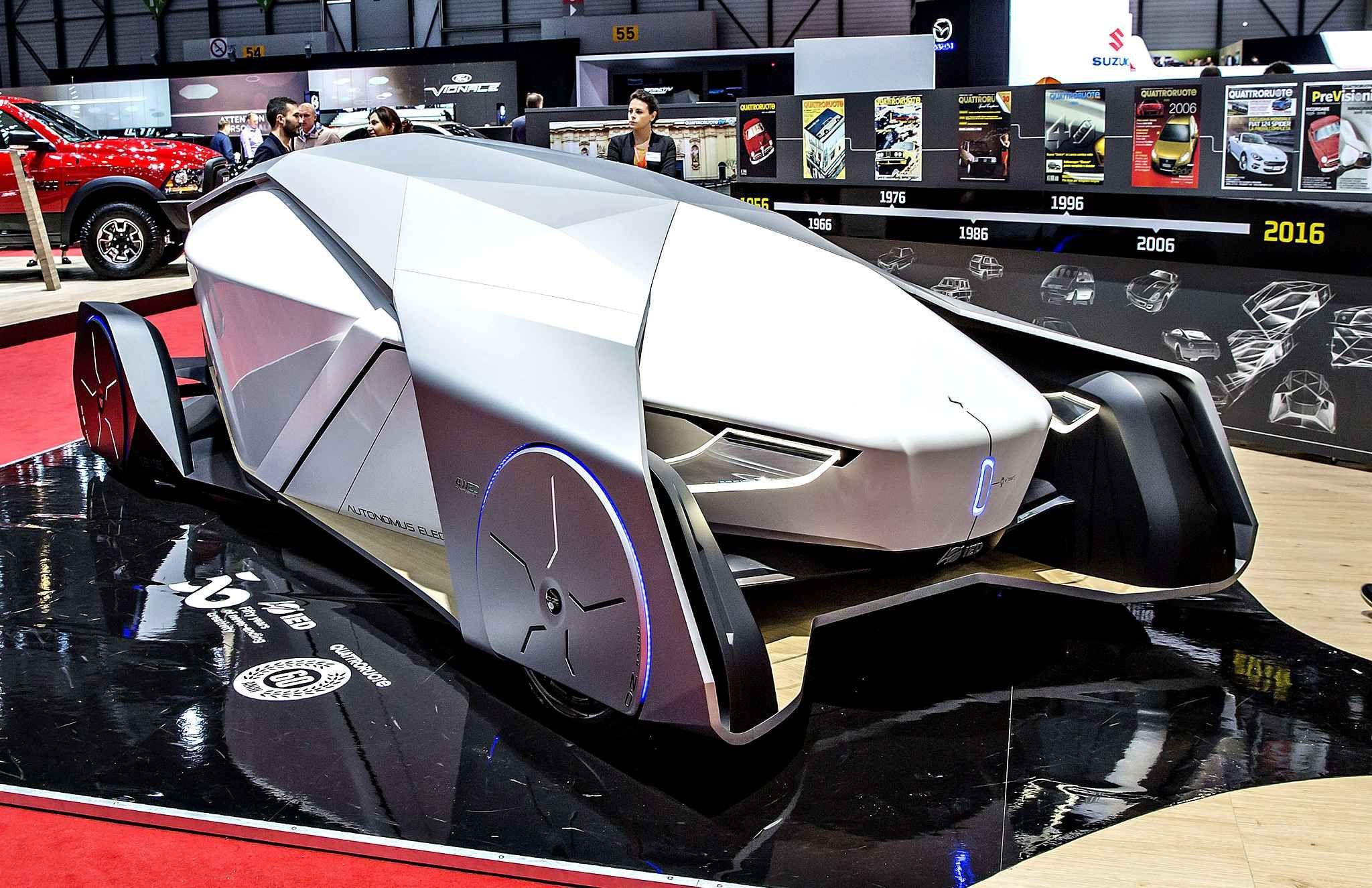 Ce concept car vient de chez IED. Il y a autant un côté Batman qu'un côtécercueil dans cette carrosserie.