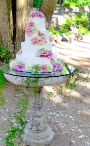 Heres A Charming Idea For Cake Stand DIY