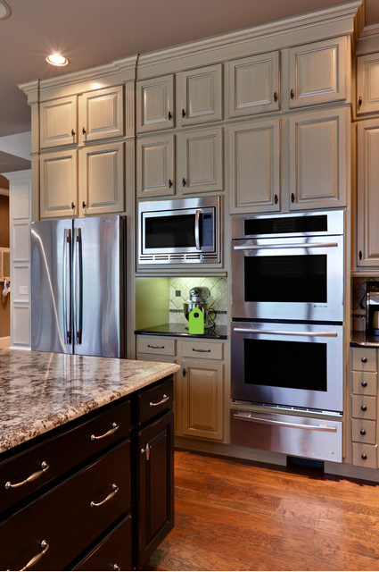 I Like The Double Oven Proving Drawer And The Microwave Placement