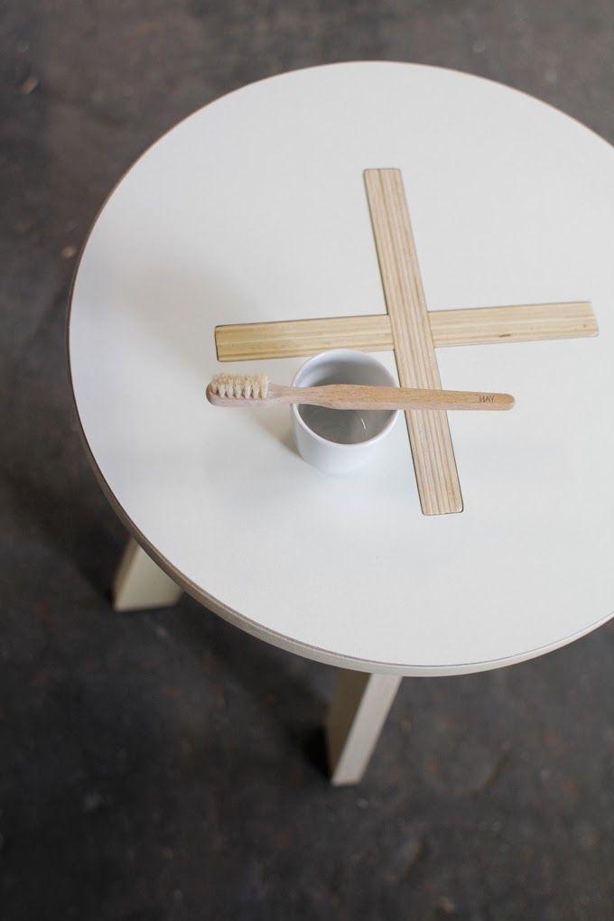 Varpunen table barefootstyling.com