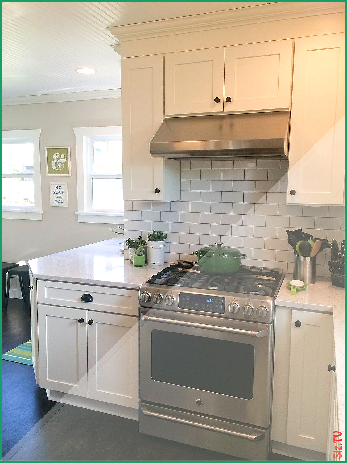 Seattle Remodeled Kitchen Has Beadboard Ceiling White Shaker Cabinets Angle Base Cabinet White Shaker Cabinets Kitchen Cabinet Crown Molding Beadboard Ceiling