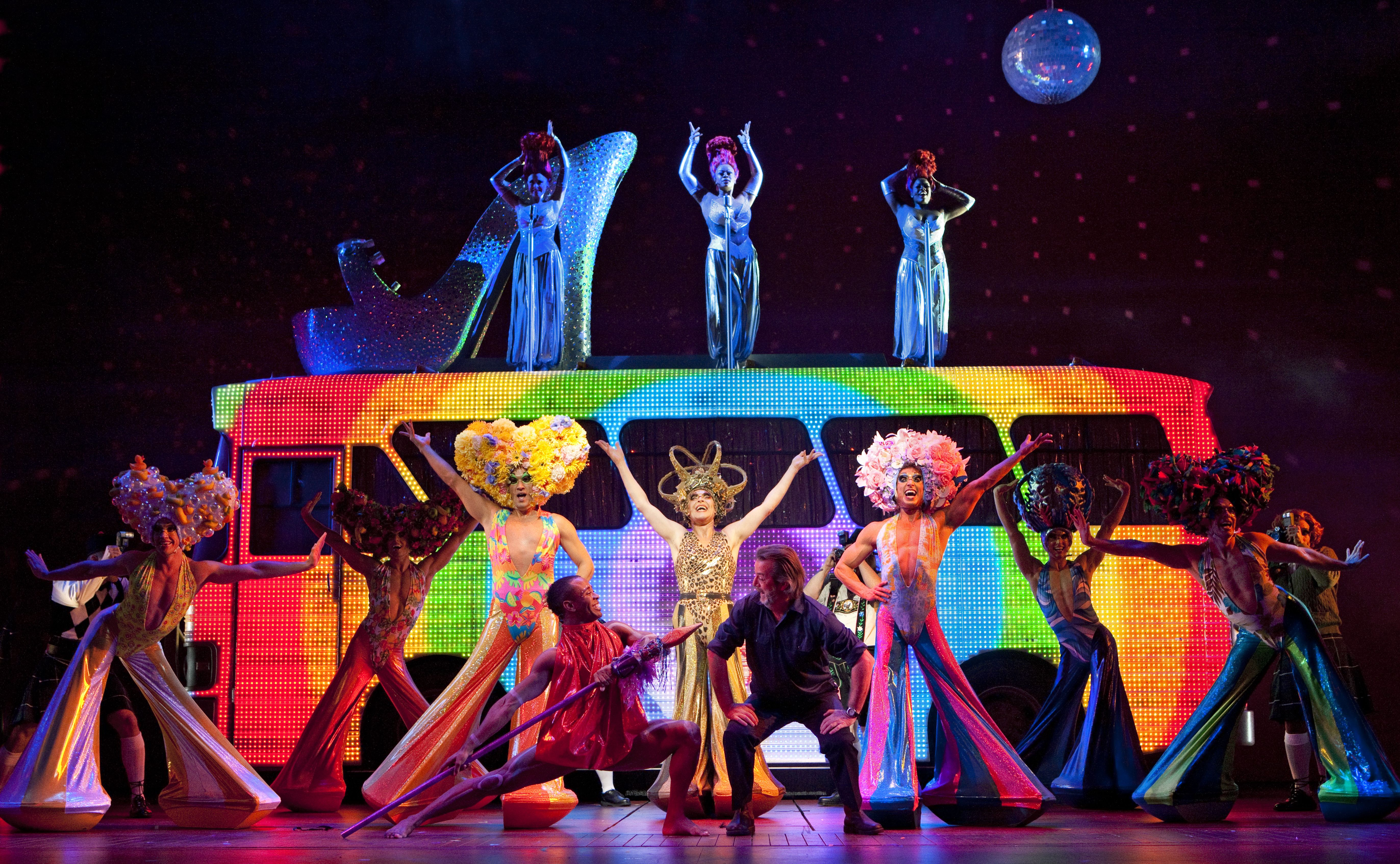 Flashback Priscilla Queen Of The Desert Takes Final Bow On Broadway June 24 Musicales Autobus Teatro