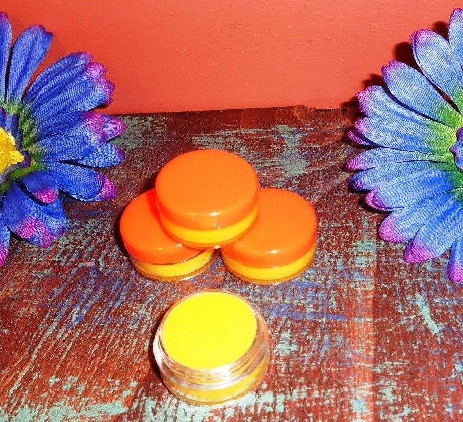 Beeswax lip balm all natural similar to burts bees