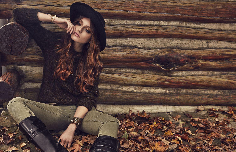 Pin By Gary Golembiewski On Autumn Love Fall Photoshoot Winter Photoshoot Friendship Photoshoot