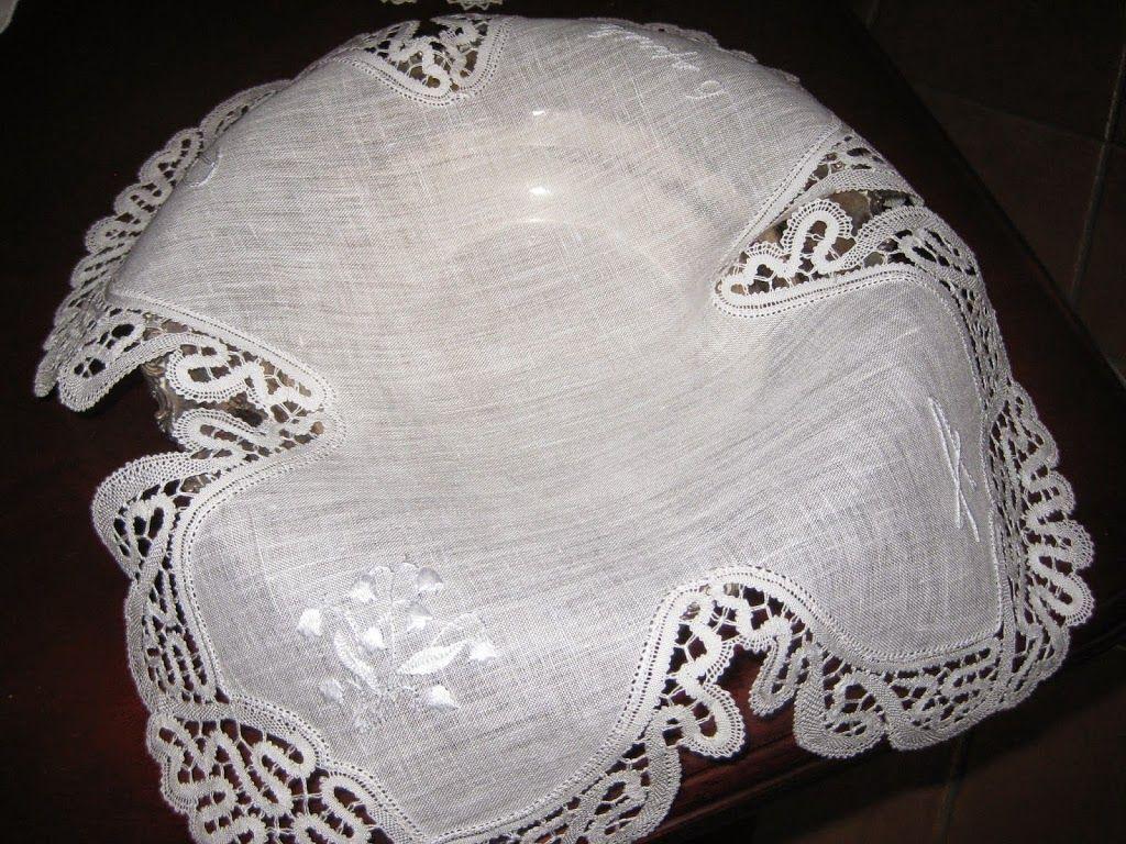 centrino porta confetti in lino e merletto a tombolo