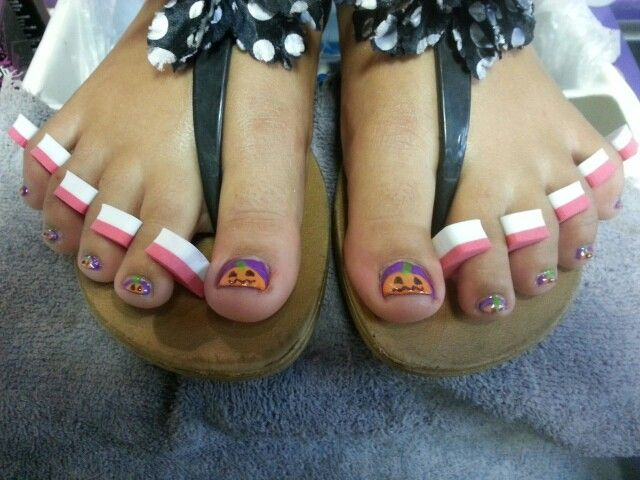 Pumpkin nail art #nailartoftheday #nails #nailart #pedicure #pedicures #fall #harvest #Halloween
