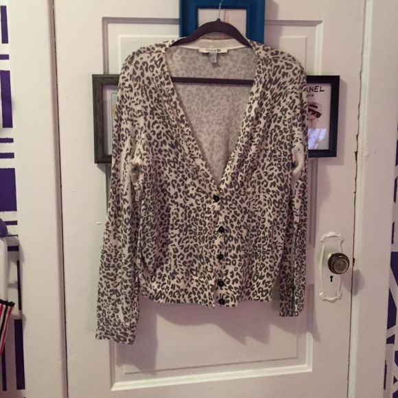 Forever 21 leopard print cardigan | Sweater cardigan, Grey and ...