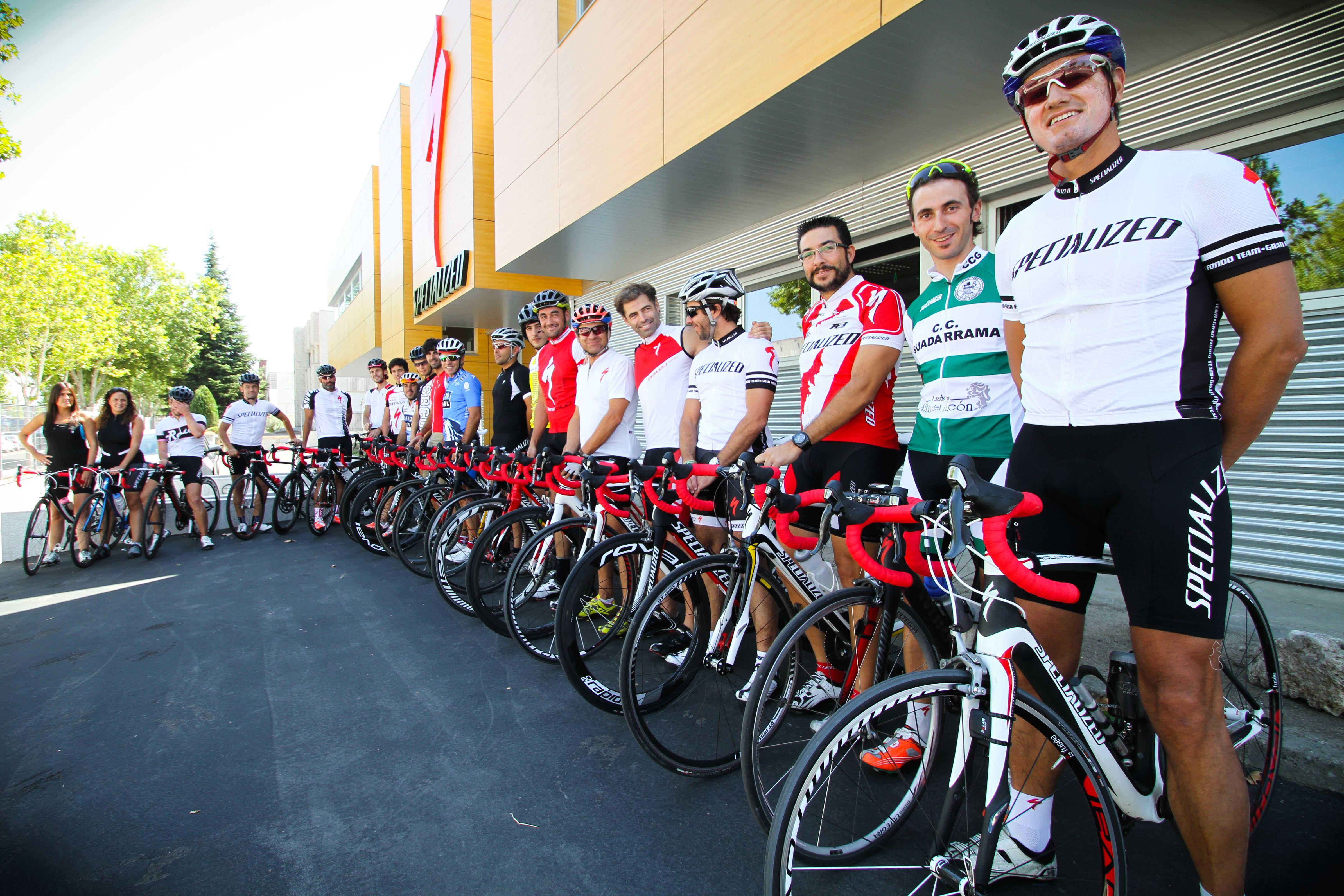 El Rojo Motiva Celebra La Vuelta De Alberto Contador Poniendo Cinta De Manillar Roja En Tu Bici Eventos Bici Contador
