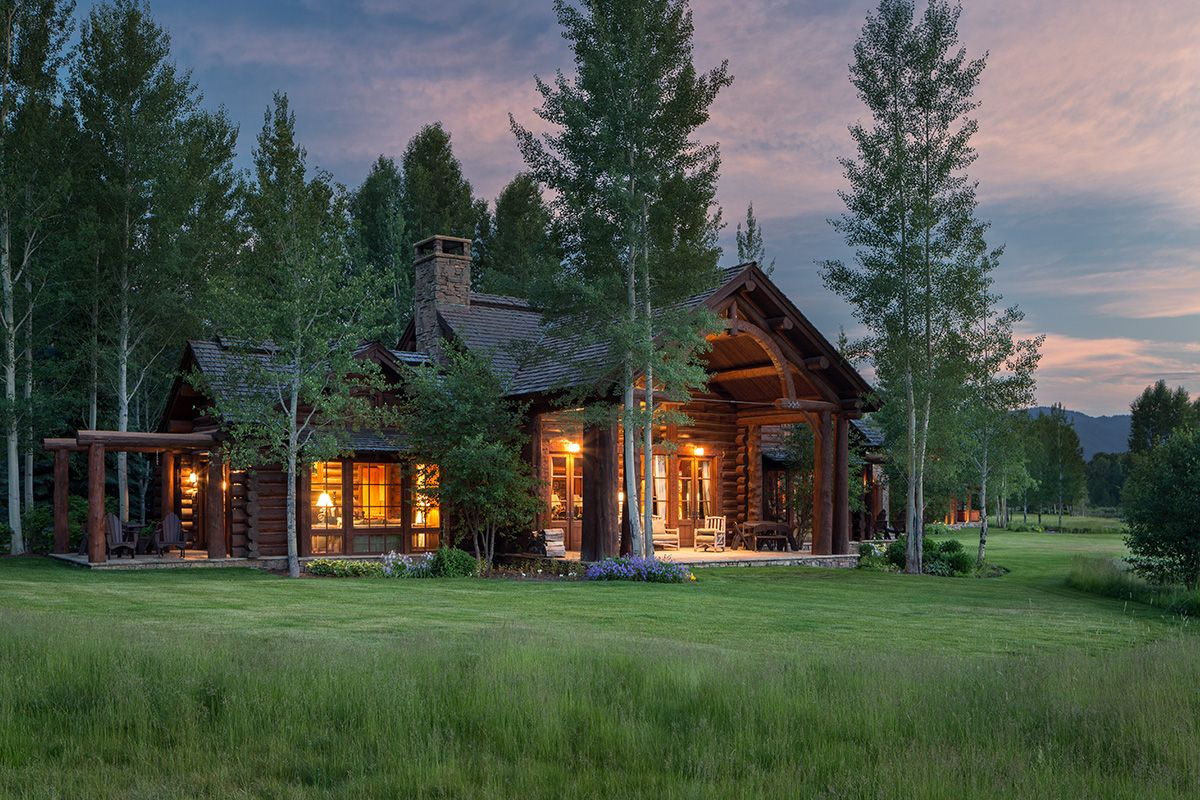 Grizzly wulff lodge luxury vacation home rental snake