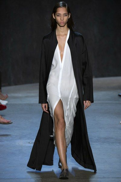 http://www.vogue.com/fashion-shows/spring-2017-ready-to-wear/narciso-rodriguez/slideshow/collection