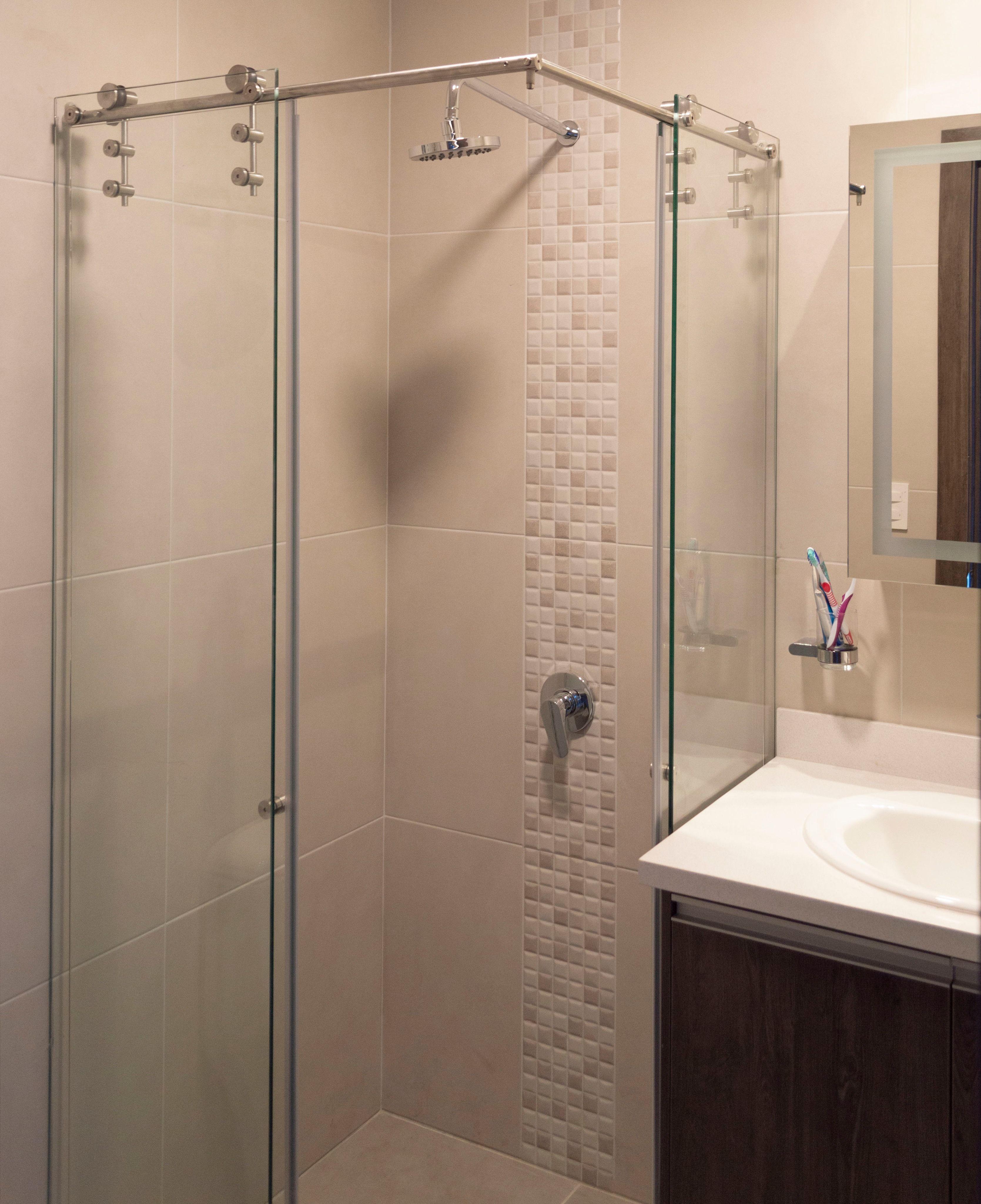 Puertas de Baño en L con vidrio templado Ideal para ...