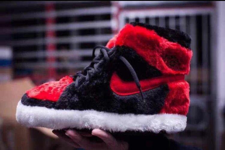 edcdf11b2522 Need these!! Air Jordan 1 Bred fuzzy slippers!!