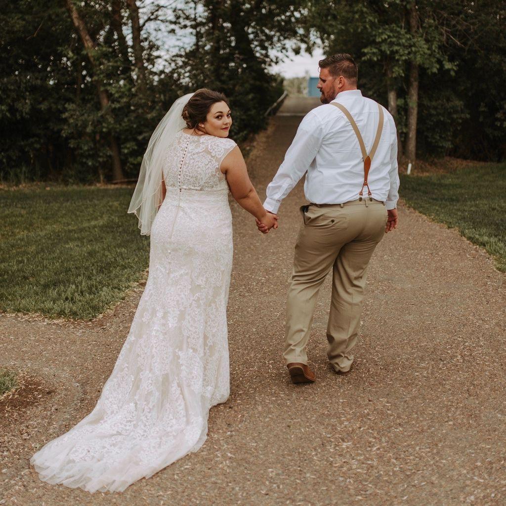 Cap Sleeve Plunging V Neck Plus Size Wedding Dress David S Bridal Wedding Dresses Davids Bridal Wedding Dresses Plus Size Wedding [ 1024 x 1024 Pixel ]
