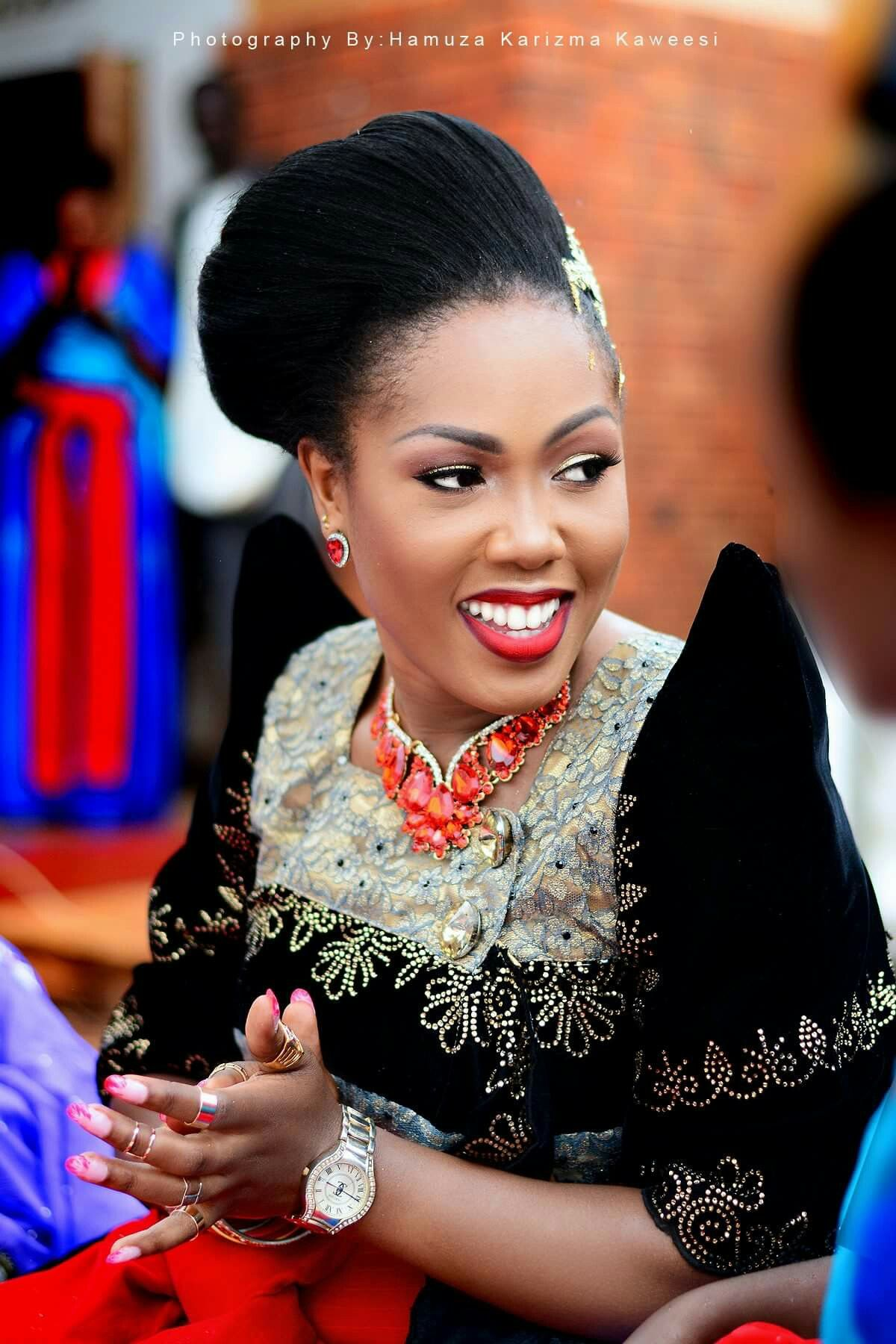 She z smart | African wedding, African attire, African dress