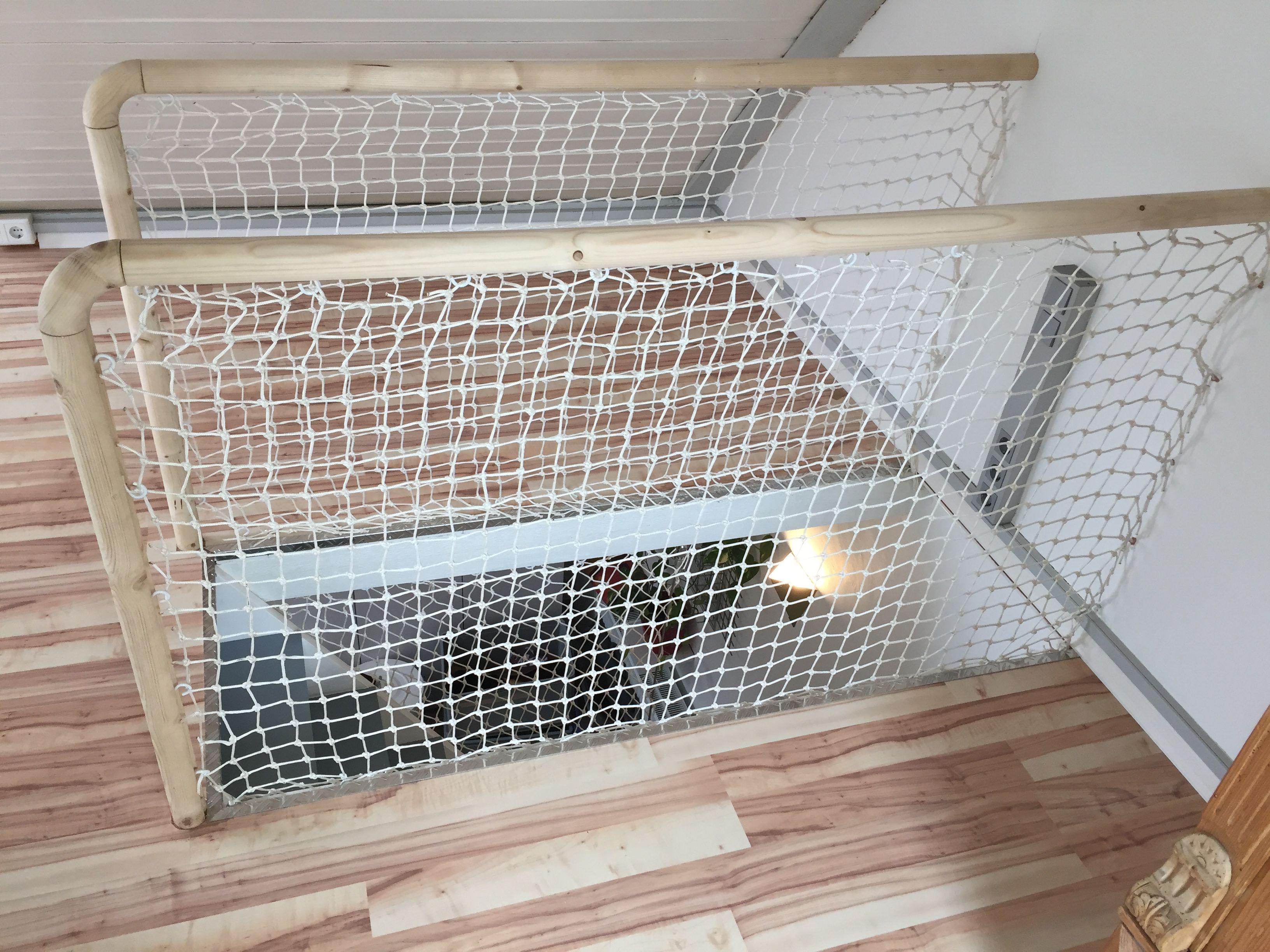Garde Corps Rampe D Escalier Design Et Epuree Pour Une Maison D Architecture Realisee Sur Mesure Dans Un Maison D Architecture Garde Corps Rampe Escalier