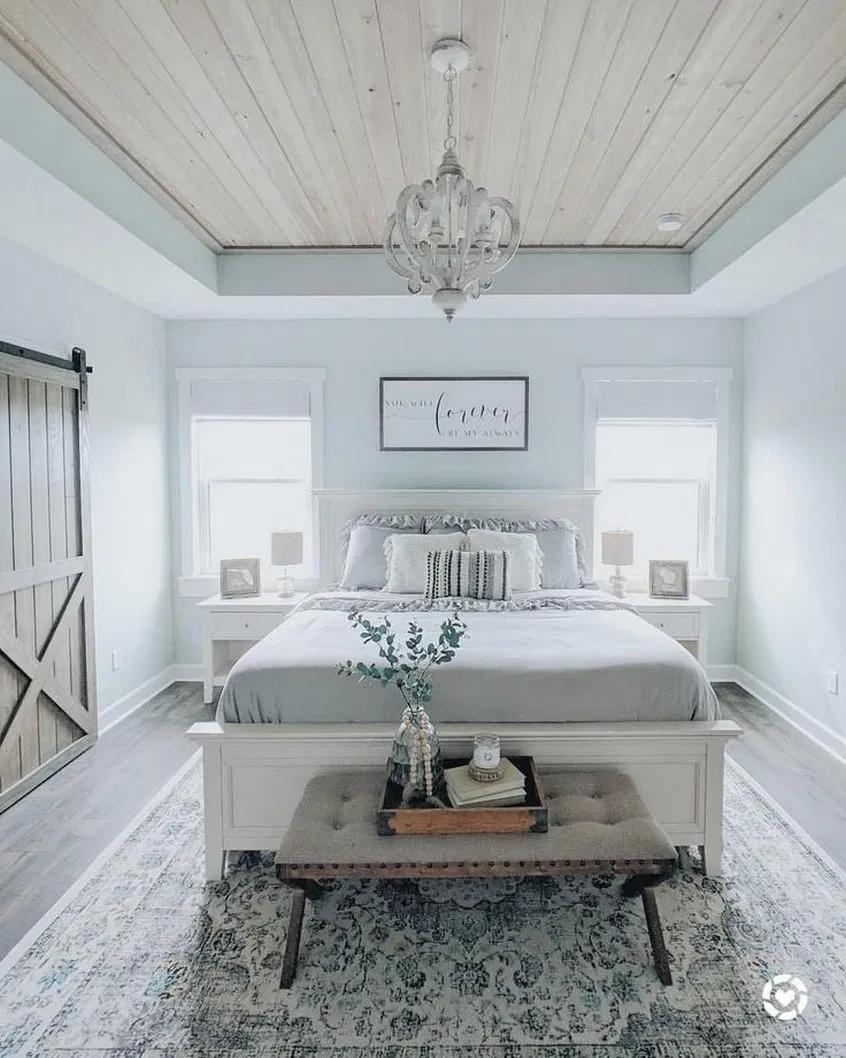 22 best farmhouse bedroom decor ideas and remodel 3 #farmhouse #bedroom #Bedroomdecor #interior | designirulz.com #modernfarmhousebedroom