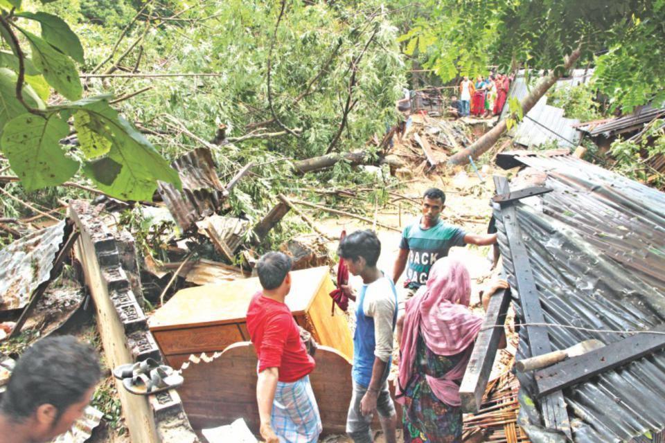 Horror strikes hills Daily star, Landslide, Chittagong