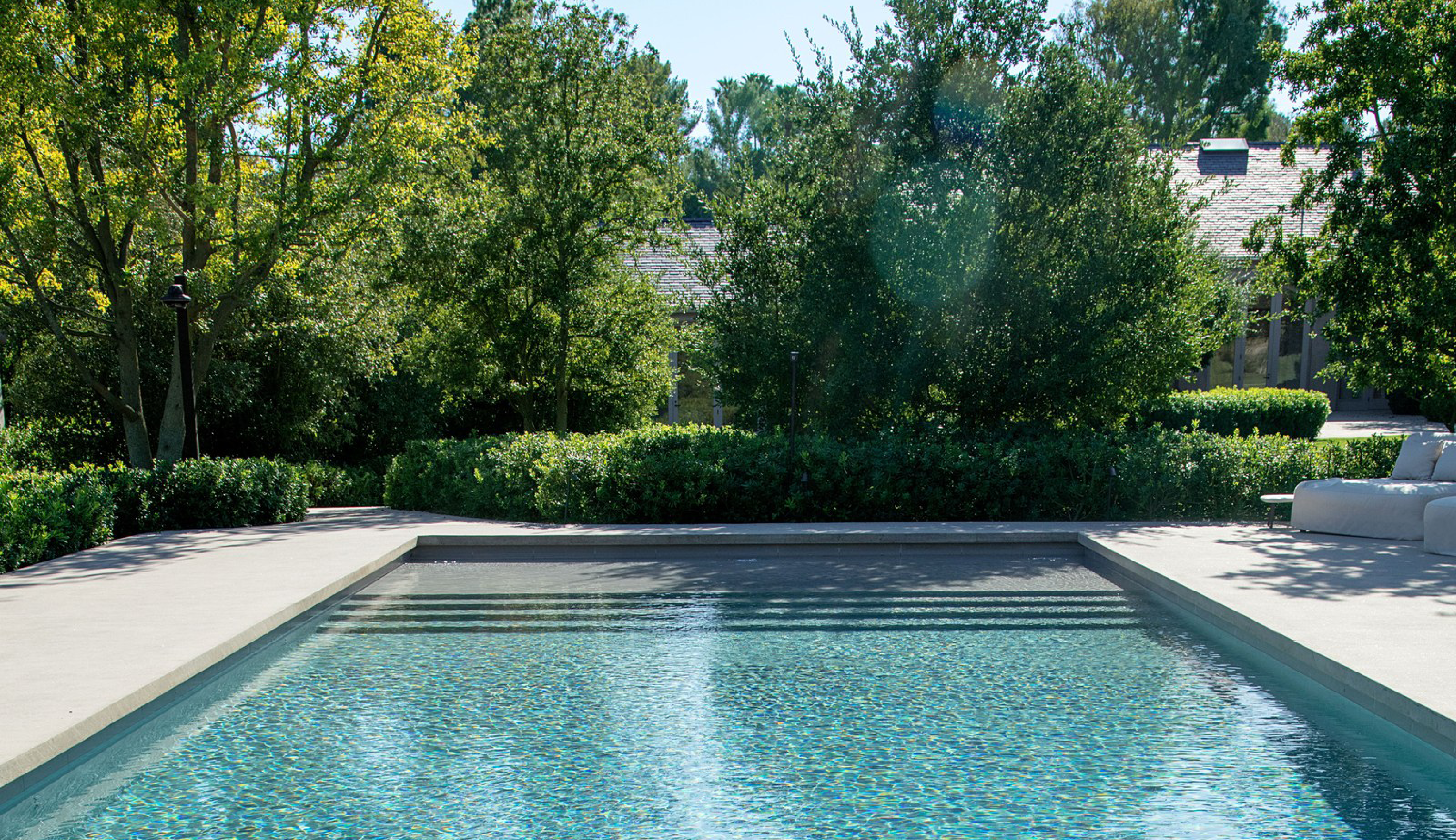 Jackie Nickerson En 2020 Maison Kardashian Piscine Et Jardin Maison Minimaliste