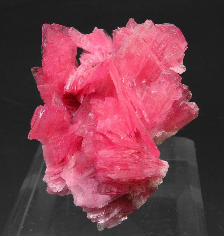 Rhodonite - San Martín Mine, Chiurucu, Huallanca, Bolognesi Province, Ancash Department, Peru. Size: 4 × 3.2 × 3 cm