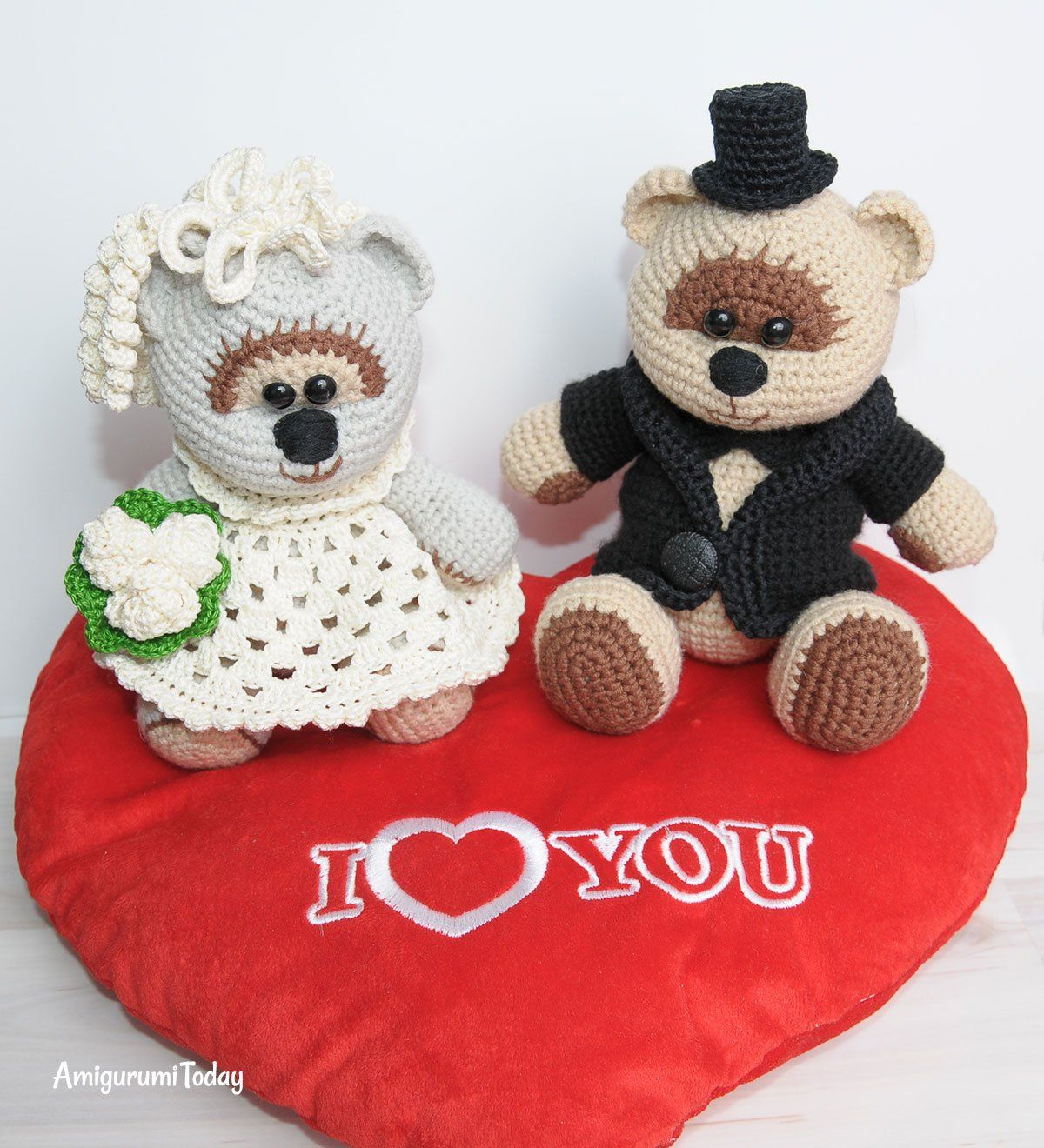 Amigurumi wedding bears: crochet pattern | Pinterest | Amigurumi ...
