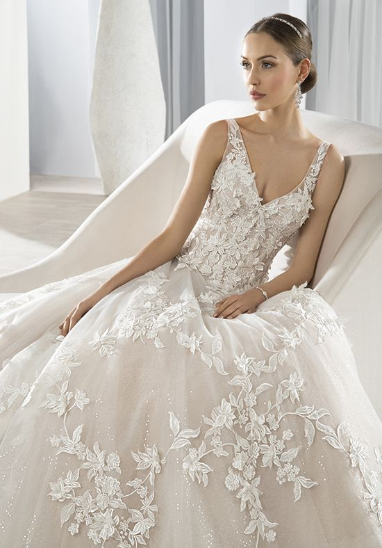 Demetrios 640 Ball Gown Wedding Dress | Νυφικο | Pinterest | Ball ...