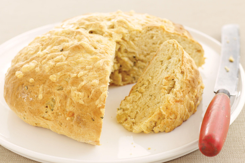 Sour cream & chive damper | Damper recipe, Bread recipes ...
