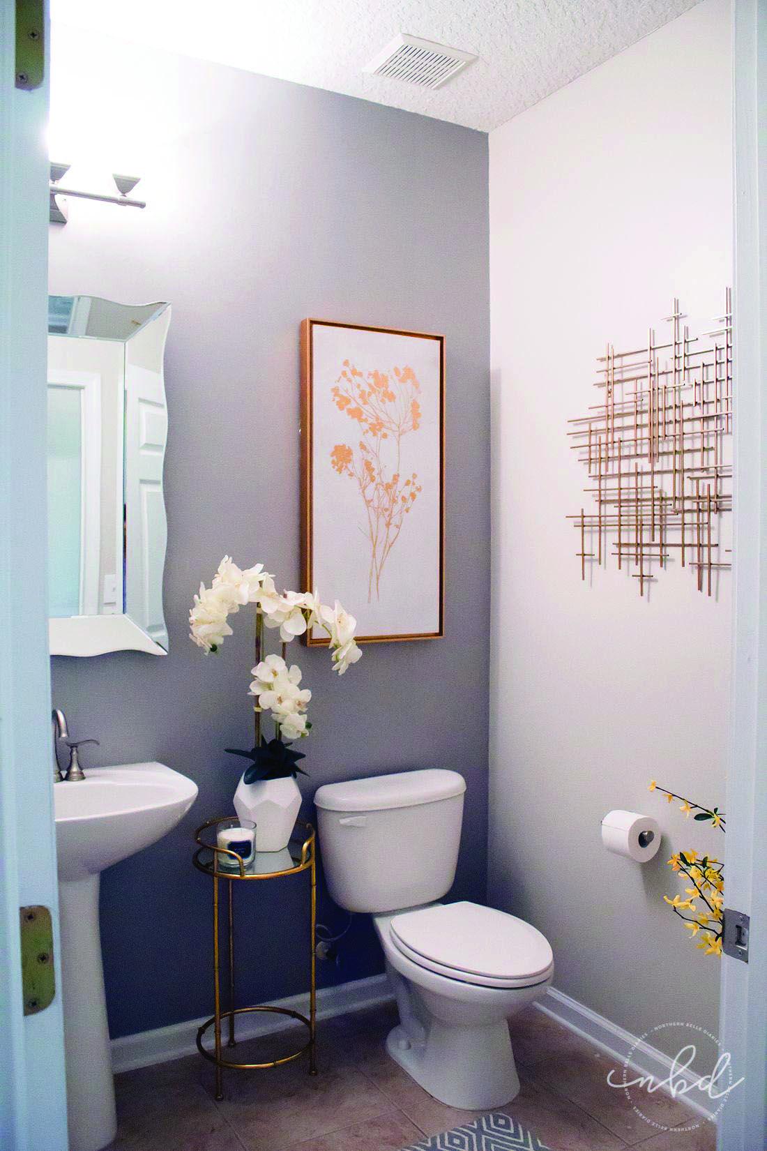 10 Paint Color Ideas For Small Bathrooms Homes Tre Restroom Decor Powder Room Decor Half Bathroom Decor