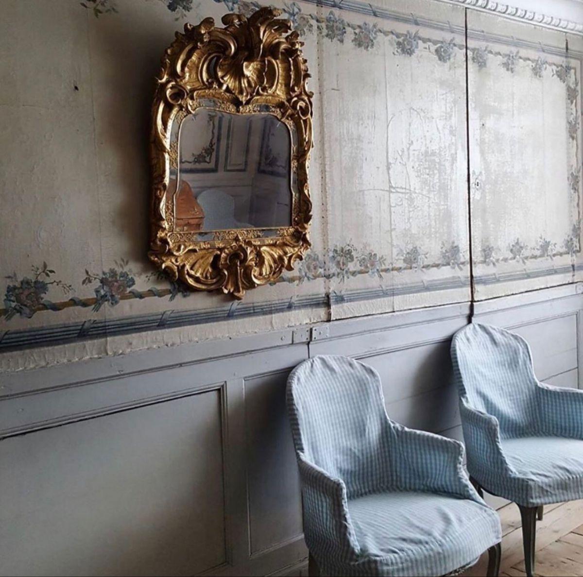 #antiquehome #antiqueprint #antiquefabric #inspired #dreamhome #furniture #antiques #vintagehome #vintagedecor #interiordesign #vintageliving #home #antiqueinterior