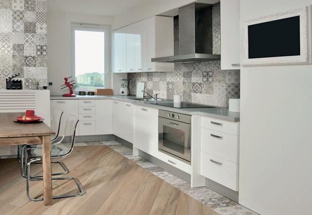 Bagno con azulejos oltre idee su cucina con pavimento in