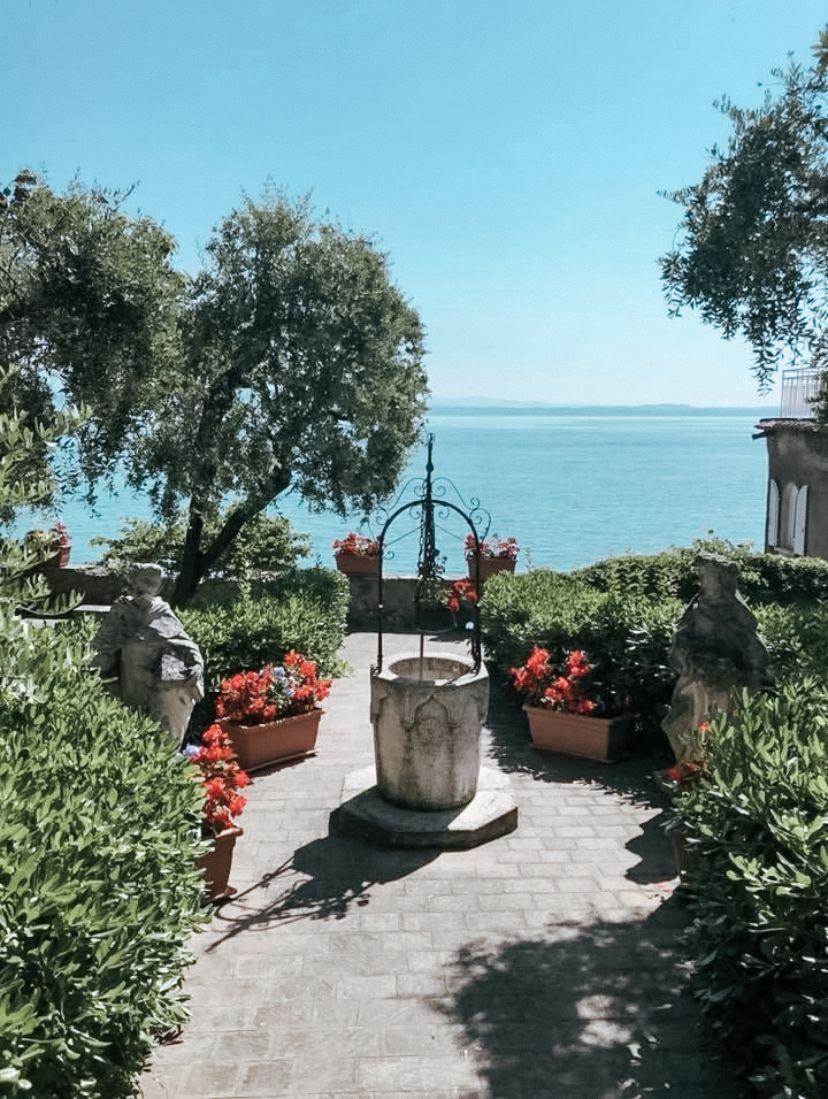 #Garda #lagodigarda #pozzo #instagrampictures #lovelyplace #summerstyle