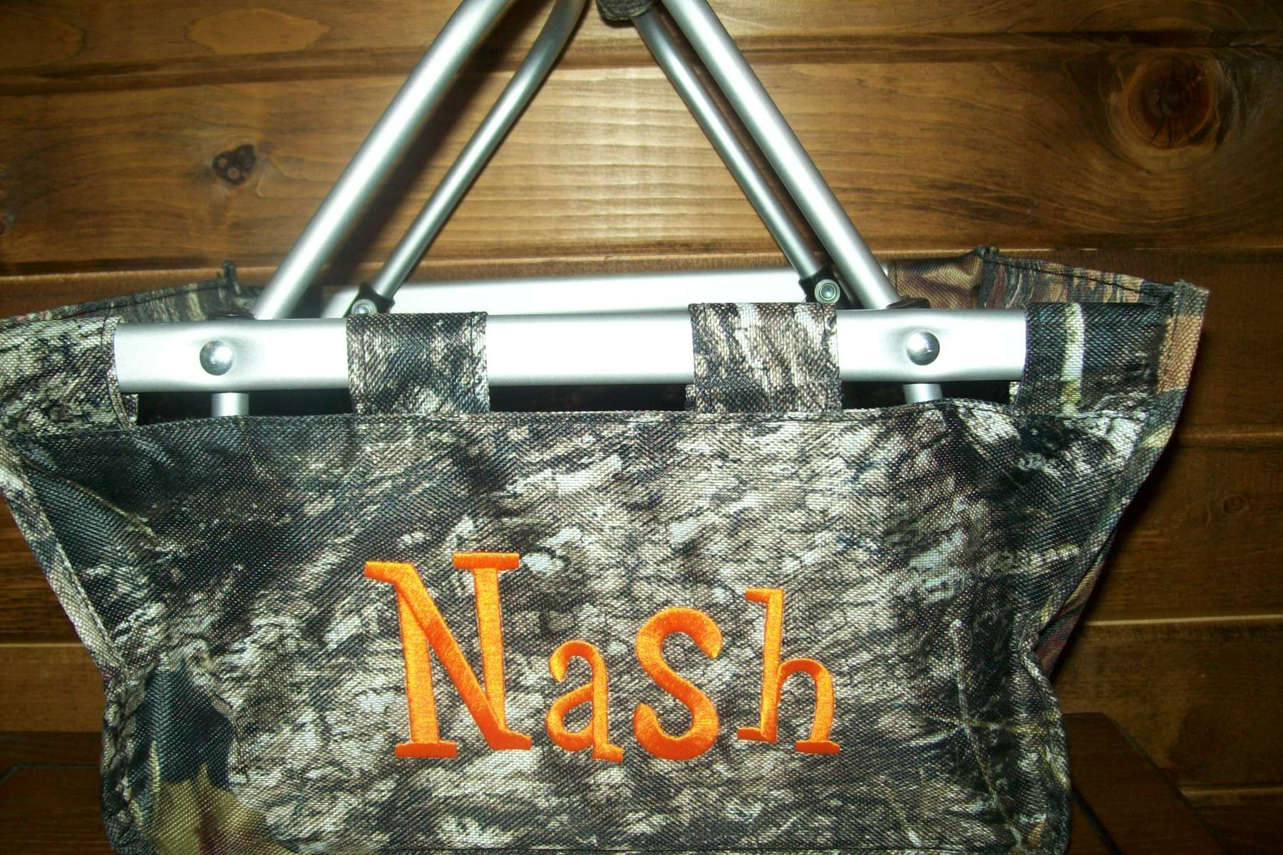Personalized Easter baskets, tote bags with free shipping at www.personalizeyouritems.com $30